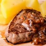 Beouf sauce vin rouge oignon moutarde miel - Les Petits Plats de Mélina